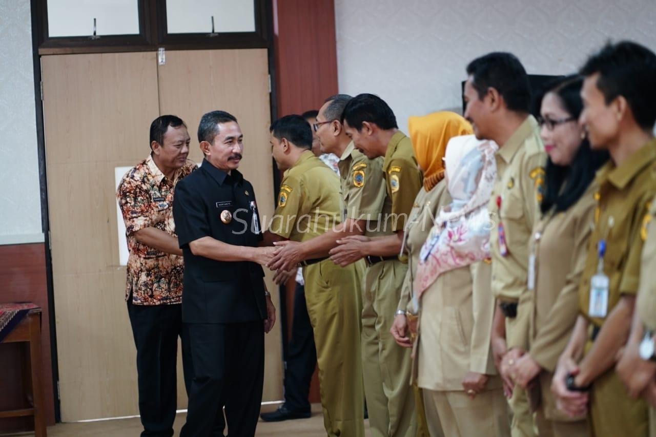 Dua Belas Kepala SMPDikukuhkan Bupati Haryanto