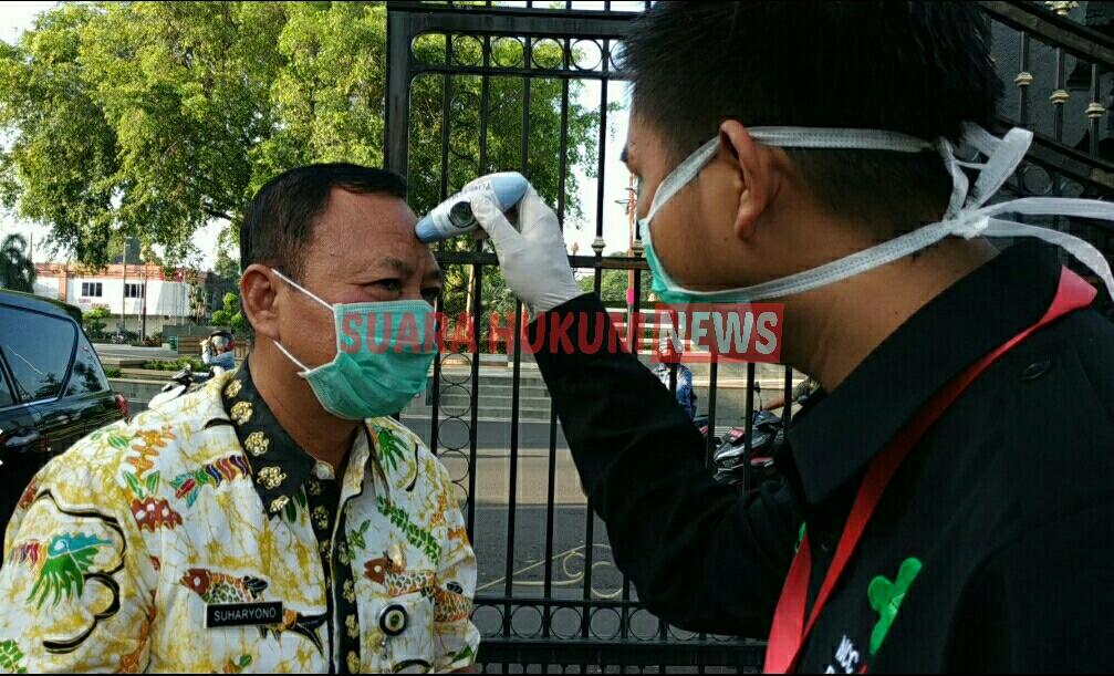 Masuki Area Sekretariat Daerah Pati ,Karyawan & Tamu Wajib Dicek Suhu Badan