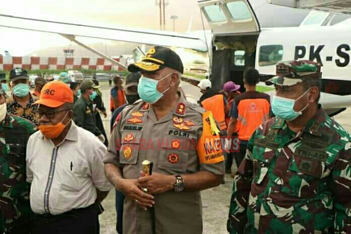 Kapolda Papua Bersama Pangdam XVII/Cenderawasih Menjemput Kedatangan Korban Kesalahpahaman Di Mamberamo Raya