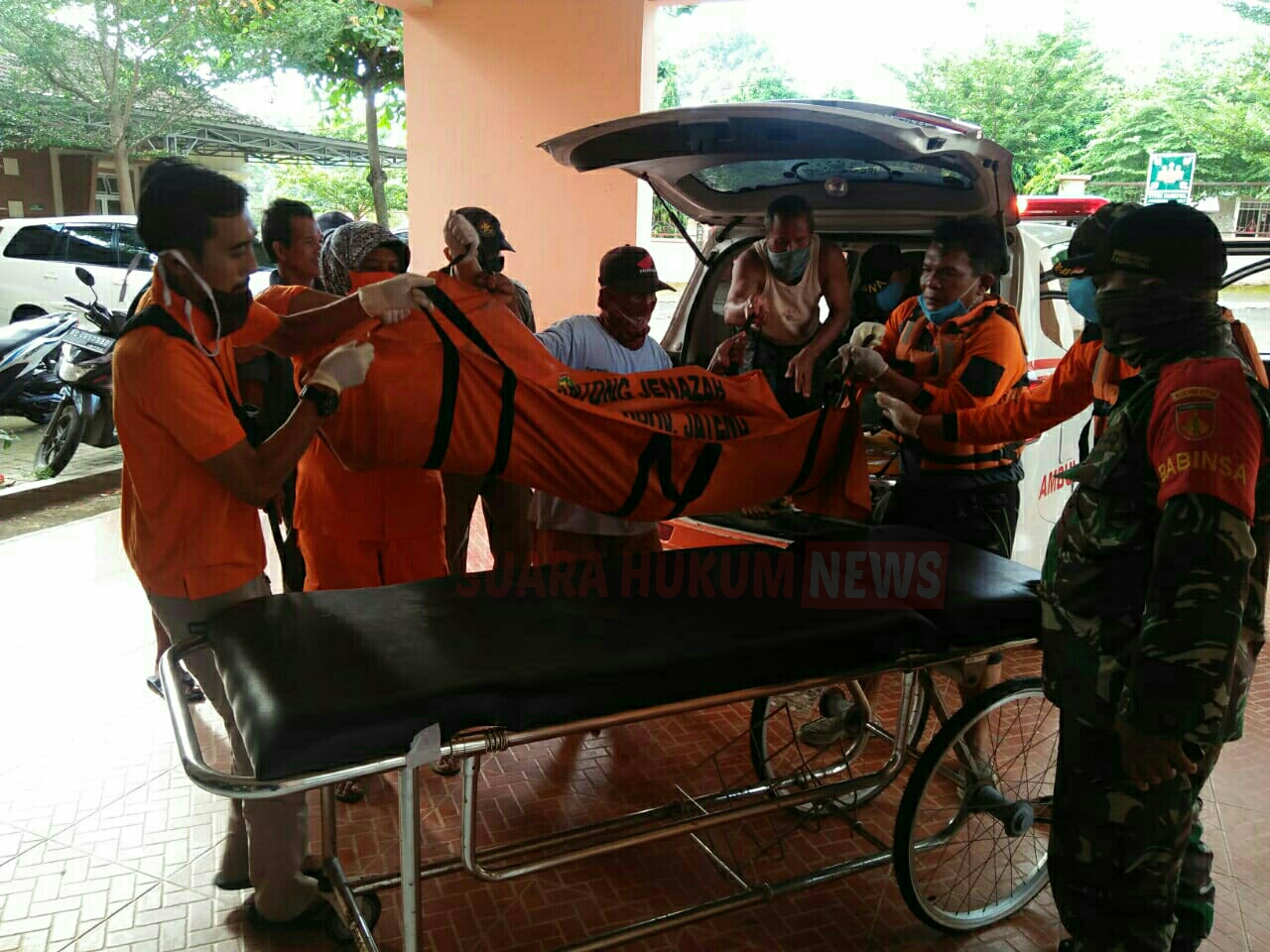 Tim Gabungan Berhasil Temukan  Korban Tenggelam Di Pantai Goa Manik