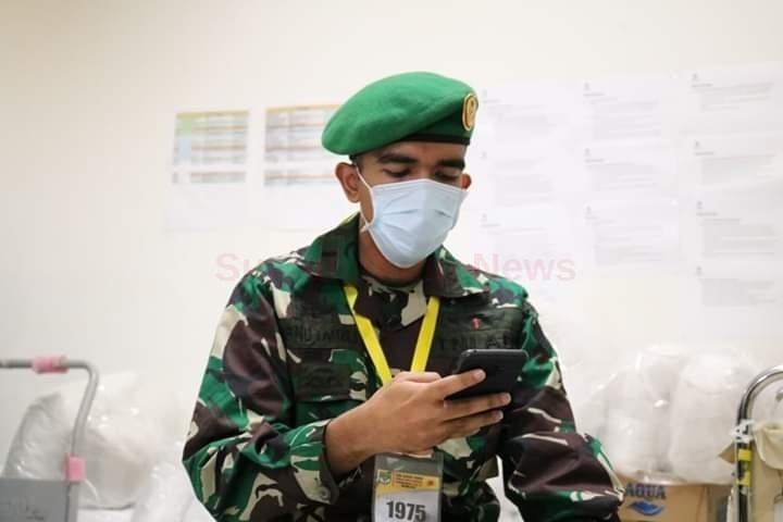 Para Tenaga Medis TNI, Polri Dan Relawan,Sampaikan Ucapan Hari Raya Idul Fitri Melalui Handphone Dari Rsd Wisma Atlet