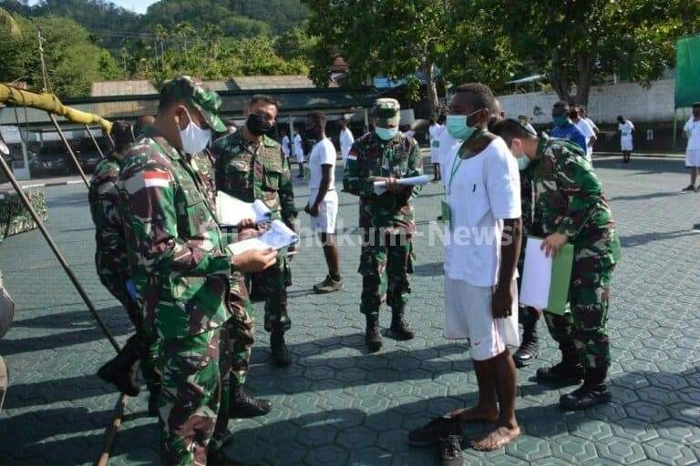 Memiliki Tekat Dan Semangat Yang Kuat, Yusuf Wonda Jadi Prajurit TNI AD