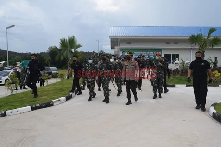Danlantamal IV Tanjungpinang Sambut Panglima TNI Dan Kapolri Di Bandara Batam