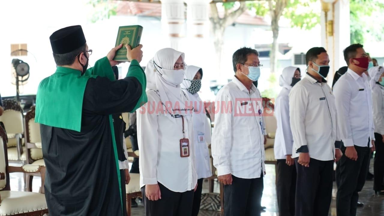Lantik Pejabat Struktural, Bupati Haryanto Berharap Agar Keluhan Masyarakat Cepat Direspon