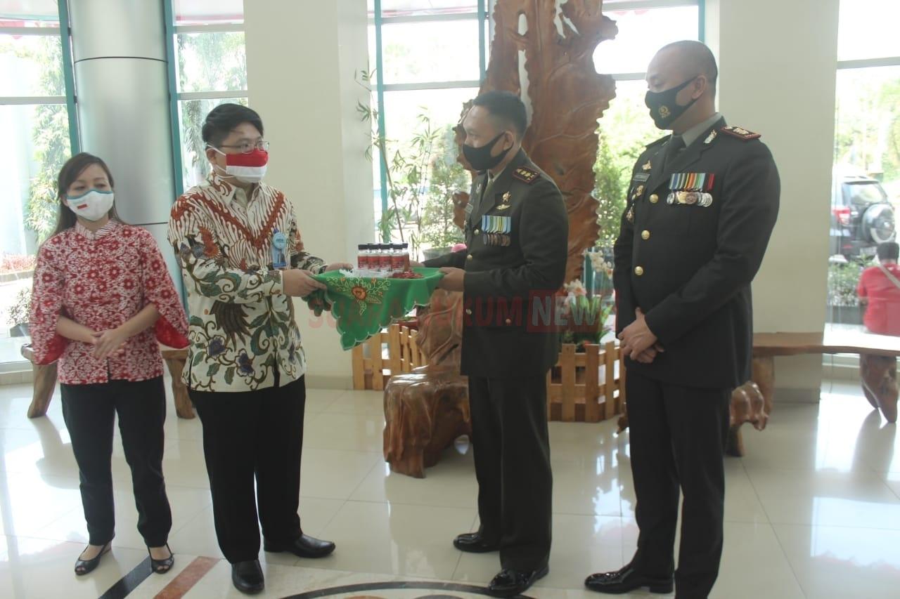 """Gelar Baksos Di HUT Kemerdekaan RI,""""TNI-Polri Peduli Pada Tenaga Kesehatan"""""""