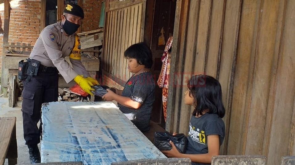 Polres Tapsel Salurkan Bantuan Bagi Warga Terdampak Covid-19