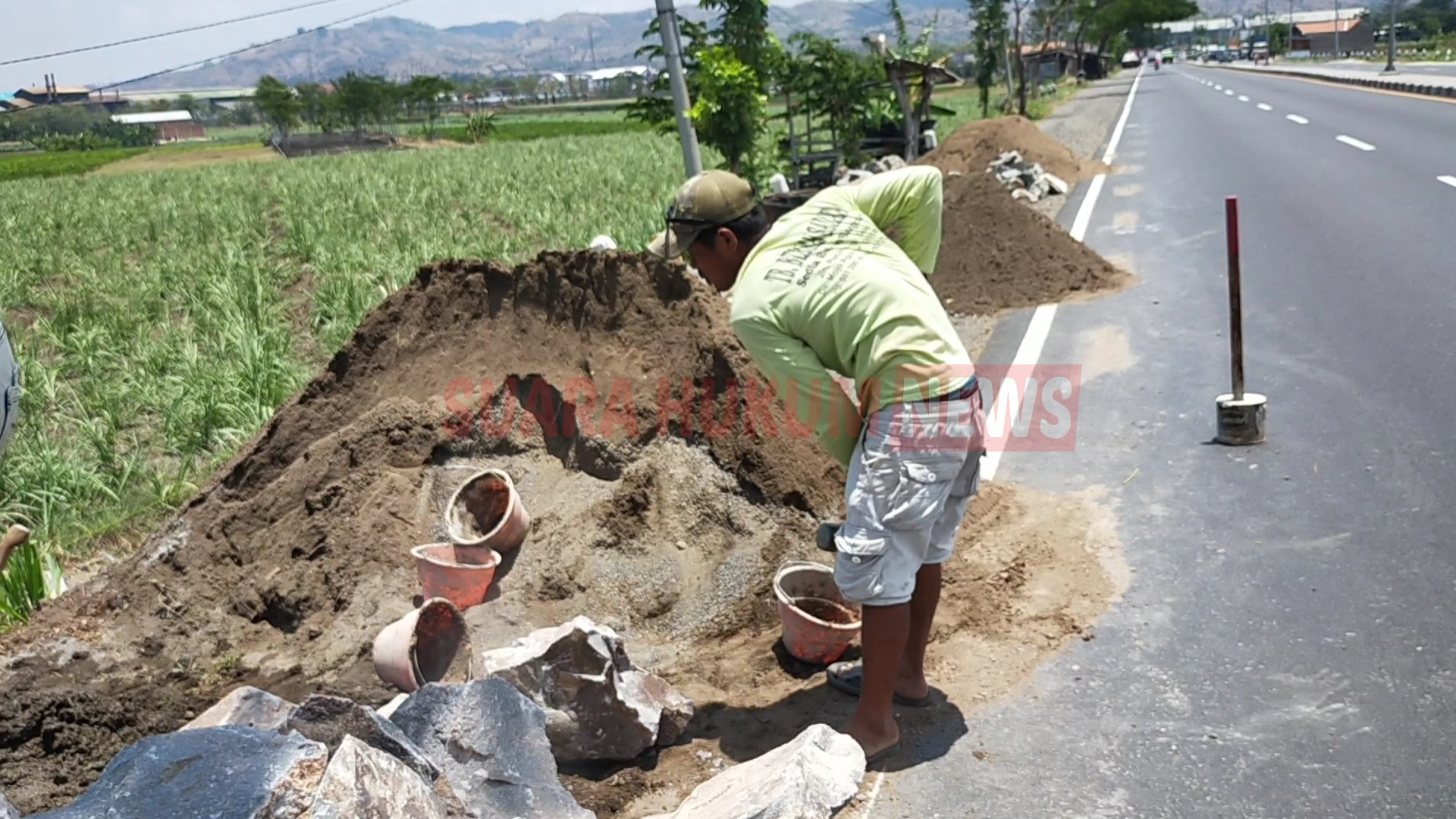 Belum Diganti, Abu Batu & Padas Giling Di Lokasi Proyek Saluran Air JLS, Tetap Digunakan