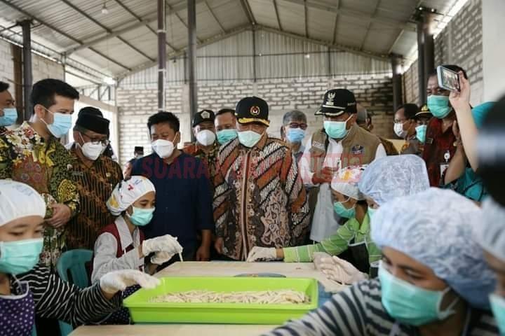 Menko PMK: 63 Juta Pelaku UMKM Harus Selamat Di Masa Pandemi