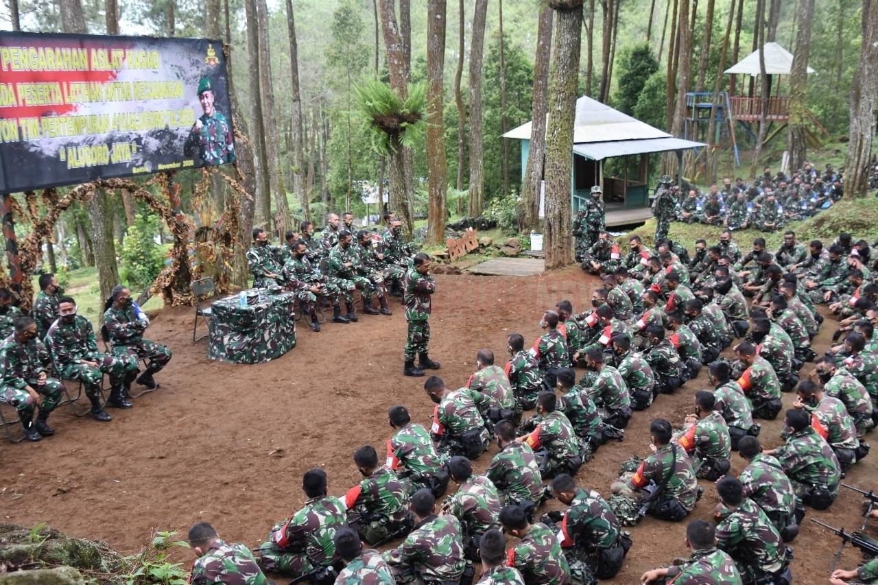 Asisten Latihan Kasad Bangga Atas Hasil Latihan Batalyon Tim Pertempuran Yonif 410/Alugoro