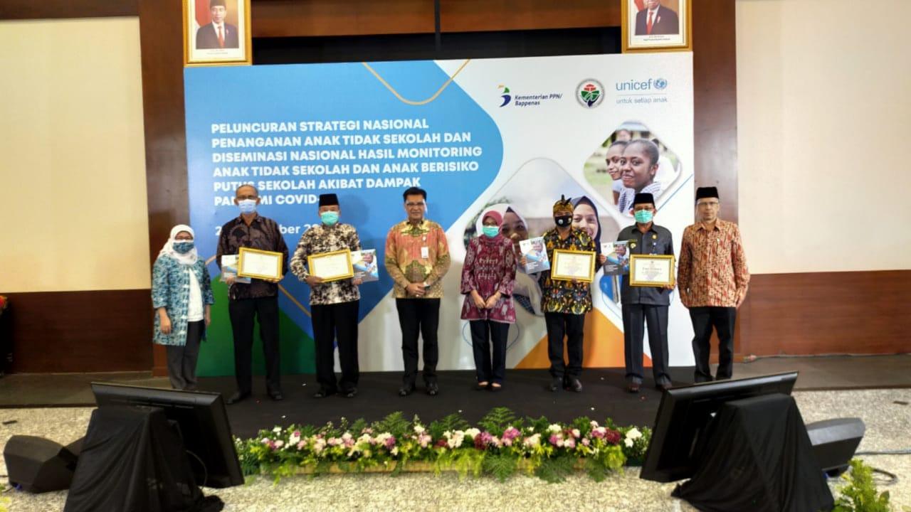 Desa Binaan Pemkab Pati, Terima Penghargaan Nasional Dari Kemendes & Unicef