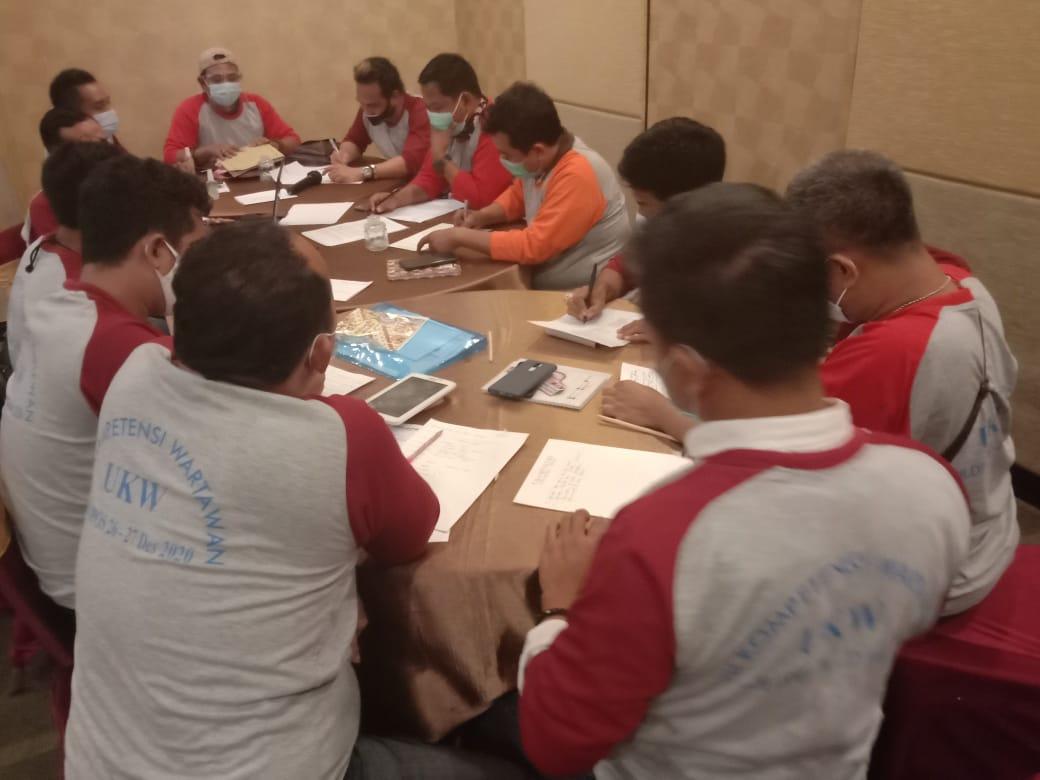 UKW Solopos Gelombang II, Menerima 36 Peserta, Dengan 6 Penguji