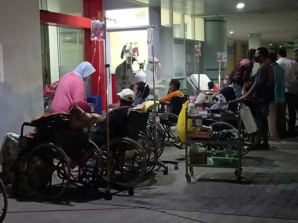 Tak Mendapat Tempat, Pasien di RS.KSH Harus Menjadi Penghuni Lobi