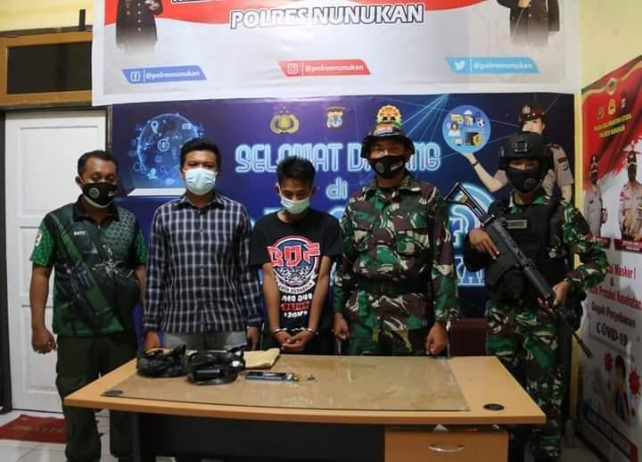 Satgas Pamtas RI-Malaysia Yonarhanud 16/SBC/3 Kostrad,Berhasil Amankan Pria Pembawa Sabu
