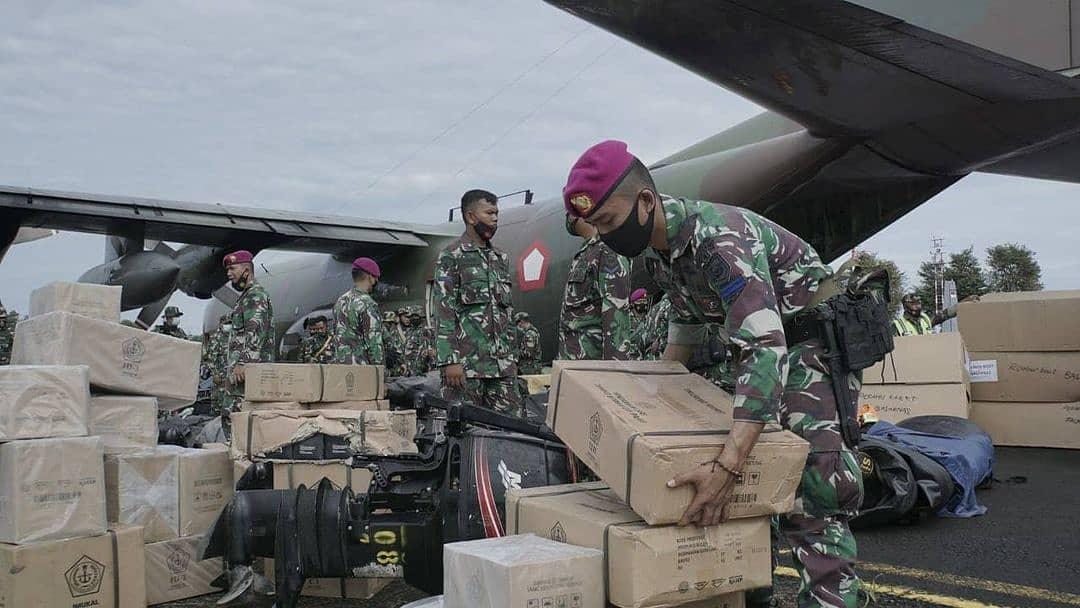 Pen Pasmar 1 Marinir Tiba di Bandara Sjamsudin Noor Banjarbaru Untuk Jalankan Misi Kemanusiaan