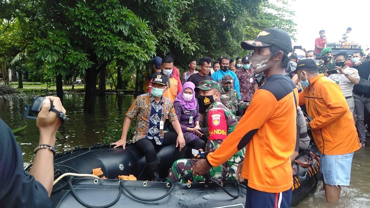 Bersama Forkopimda, Dandim 0719/Jepara Tinjau Lokasi Warga yang Terdampak Banjir