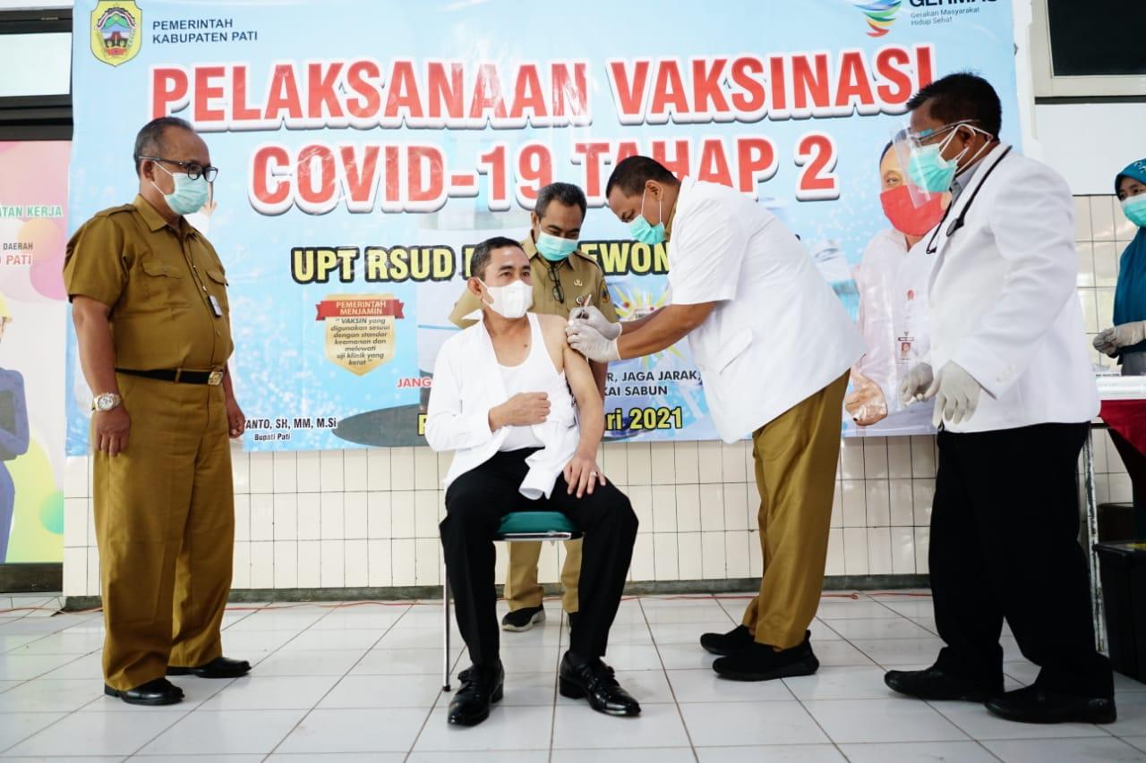 Bupati Pati Jalani Vaksinasi Covid-19 Tahap Kedua di RSUD Soewondo