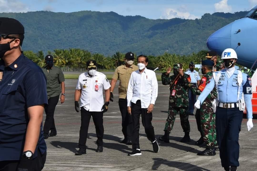 Pangdam XVI/Pattimura Dampingi Presiden RI dalam Kunjungan Kerja di Maluku