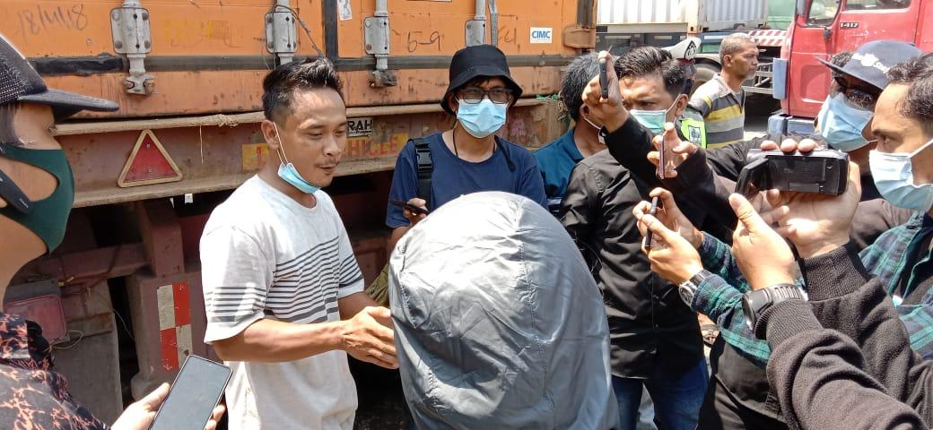 Yulianto Wakil Driver Trailer Indonesia minta Aparat, Usut Tarikan Parkir di Kalianak 55