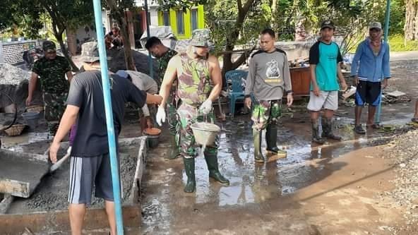 Peduli Rumah Ibadah Anggota Koramil 05/Mayong, Ikut Kerja Bakti Pembangunan Musholla