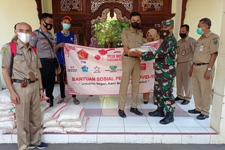 Danramil 01/Jepara Hadir dalam Penyerahan Bantuan Sosial kepada Pegawai Non PNS