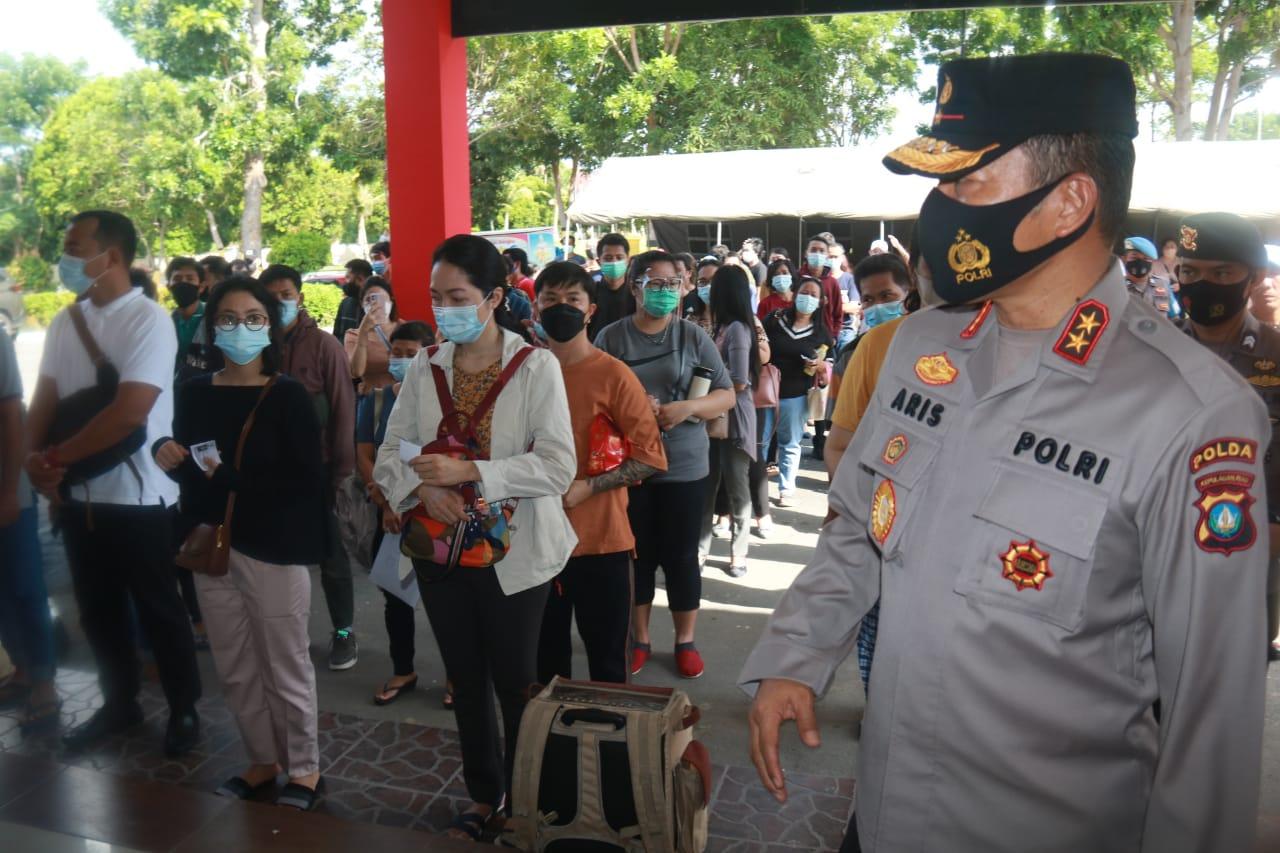 Kapolda Kepri Tinjau Langsung Vaksinasi Massal Kepada Masyarakat