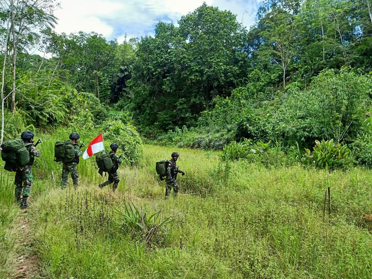 Satgas Pamtas RI-Malaysia Yonif Mekanis 643/Wns, Laksanakan Patroli Patok Batas di Wilayah Perbatasan antar Negara